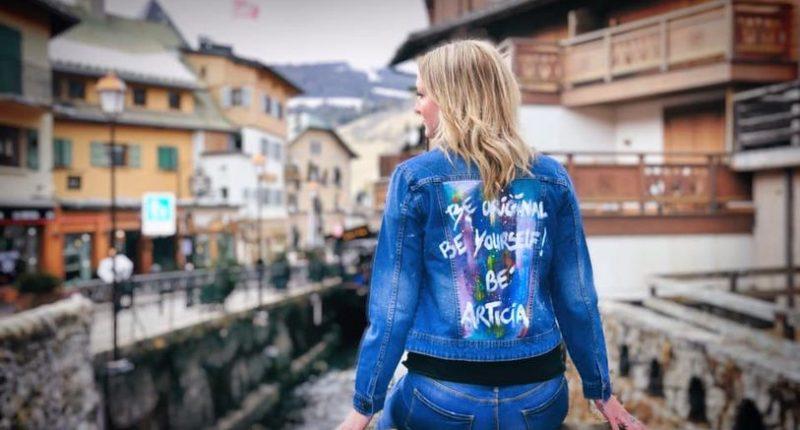 Veste en jean customisée par Be 'Articia