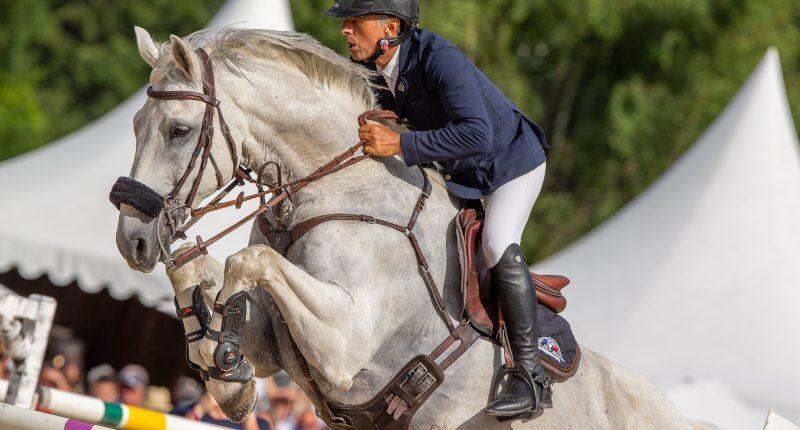 Cavalier Jean-Luc Mourier t son cheval lors du Jumping de Megève